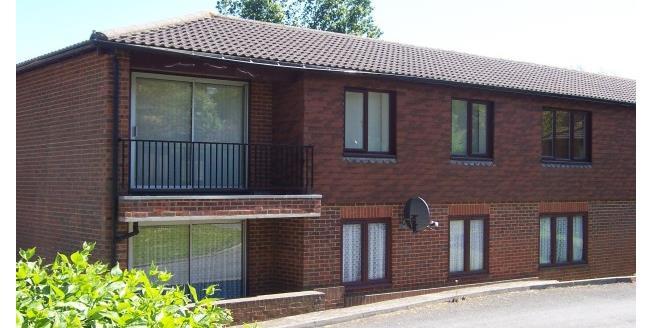 £900 per Calendar Month, 3 Bedroom Flat To Rent in Crowborough, TN6