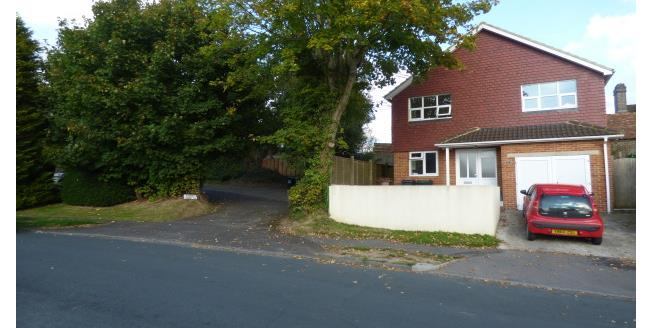 £1,250 per Calendar Month, 3 Bedroom House To Rent in Crowborough, TN6