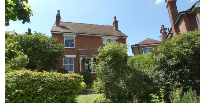 £2,100 per Calendar Month, 5 Bedroom Detached House To Rent in Lewes, BN7