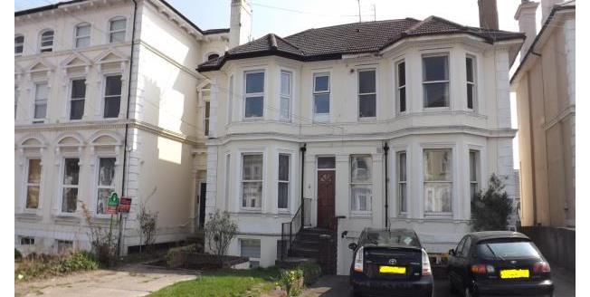 £775 per Calendar Month, 2 Bedroom Flat To Rent in Tunbridge Wells, TN1