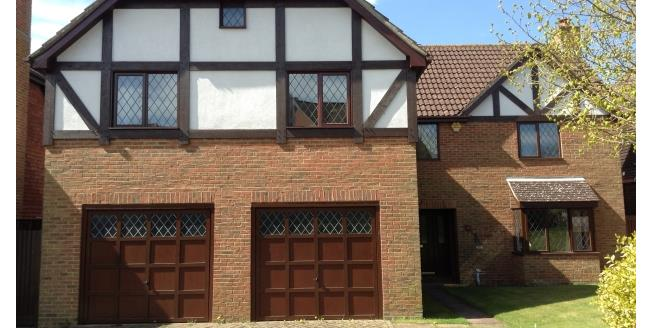 £2,700 per Calendar Month, 5 Bedroom Detached House To Rent in Tonbridge, TN10