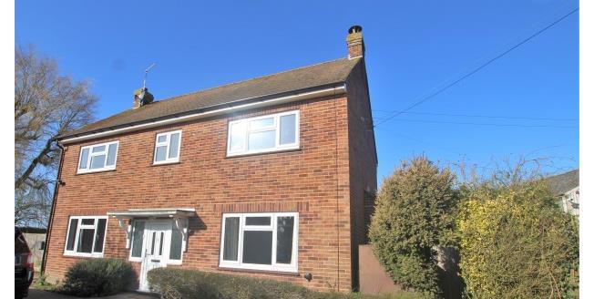 £1,675 per Calendar Month, 4 Bedroom Detached House To Rent in Appledore, TN26