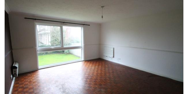 £1,150 per Calendar Month, 2 Bedroom Flat To Rent in Westerham, TN16