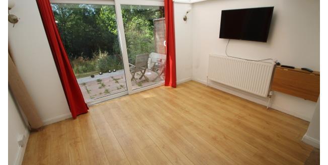 £925 per Calendar Month, 1 Bedroom House To Rent in Biggin Hill, TN16