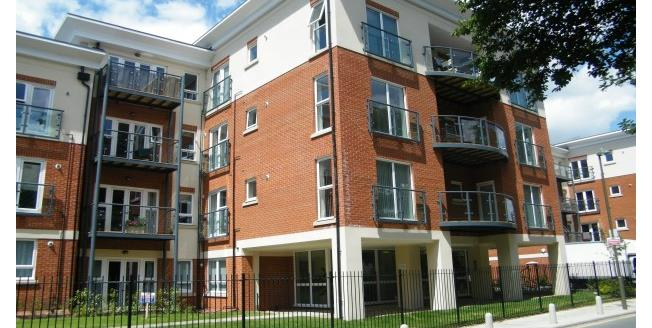 £1,300 per Calendar Month, 2 Bedroom Flat To Rent in Orpington, BR6