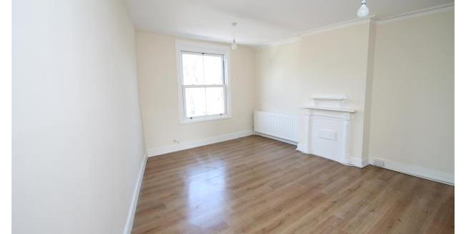 £1,000 per Calendar Month, 1 Bedroom Flat To Rent in Beckenham, BR3