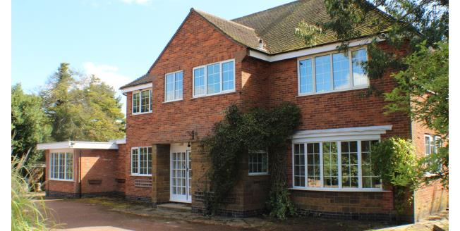 £2,200 per Calendar Month, 5 Bedroom Detached House To Rent in Leamington Spa, CV32