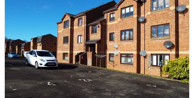£500 per Calendar Month, 2 Bedroom Flat To Rent in Moodiesburn, G69
