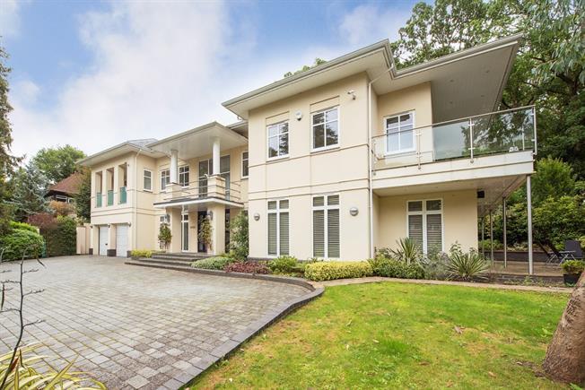 £7,950 per Calendar Month, 6 Bedroom Detached House To Rent in Gerrards Cross, Bucks, SL9