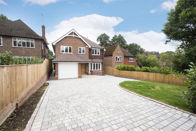£4,500 per Calendar Month, 6 Bedroom Detached House To Rent in Gerrards Cross, SL9