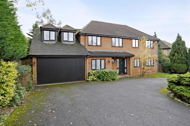 £3,400 per Calendar Month, 5 Bedroom Detached House To Rent in Gerrards Cross, SL9