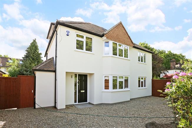 £4,000 per Calendar Month, 5 Bedroom Detached House To Rent in Gerrards Cross, SL9