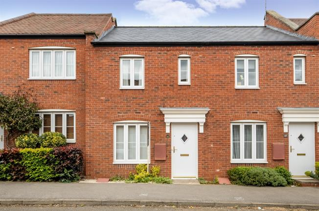 £850 per Calendar Month, 2 Bedroom Terraced House To Rent in Banbury, OX16