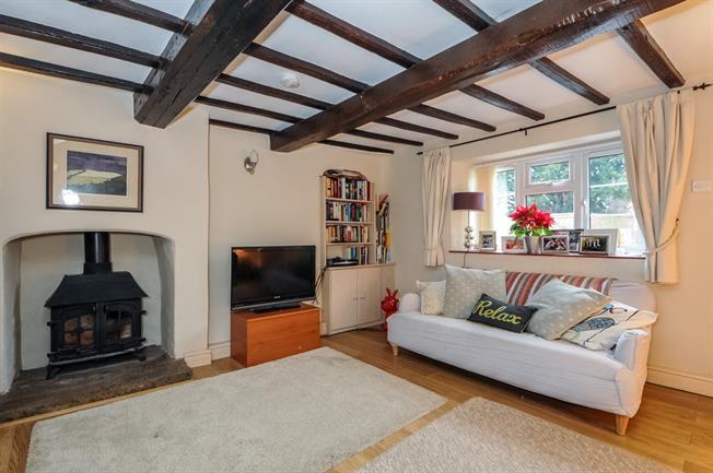 £1,500 per Calendar Month, 4 Bedroom House To Rent in Bloxham, OX15
