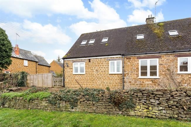 £850 per Calendar Month, 1 Bedroom Cottage House To Rent in Shutford, OX15