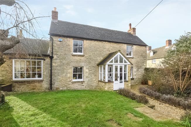 £1,500 per Calendar Month, 3 Bedroom Detached House To Rent in Kidlington, OX5