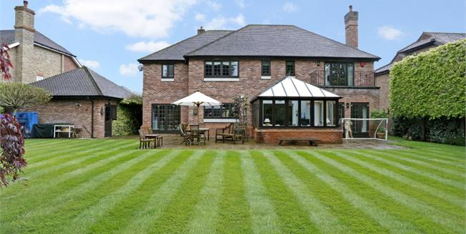 £6,500 per Calendar Month, 5 Bedroom Detached House To Rent in Beaconsfield, HP9