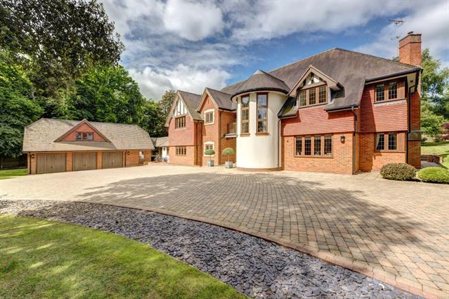 £6,995 per Calendar Month, 6 Bedroom Detached House To Rent in Great Missenden, HP16