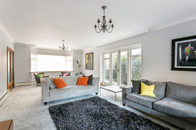 £3,450 per Calendar Month, 4 Bedroom House To Rent in Beaconsfield, HP9