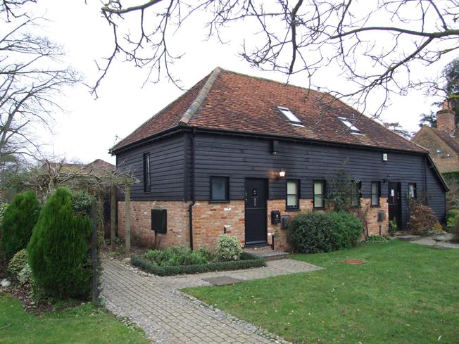 £1,395 per Calendar Month, 1 Bedroom Semi Detached House To Rent in Beaconsfield, HP9