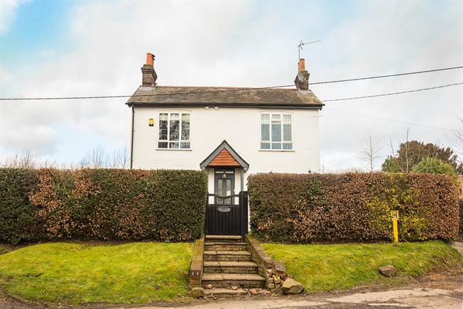 £2,380 per Calendar Month, 3 Bedroom Detached House To Rent in Beaconsfield, HP9