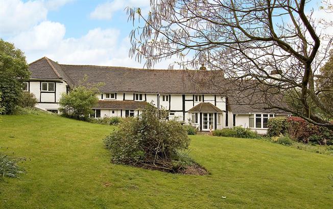 £2,950 per Calendar Month, 4 Bedroom House To Rent in Little Missenden, HP7