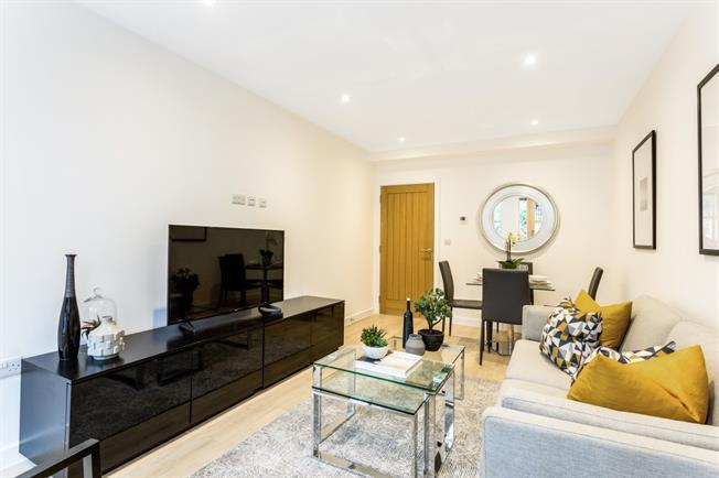 £1,495 per Calendar Month, 2 Bedroom Duplex Apartment To Rent in Amersham, HP6