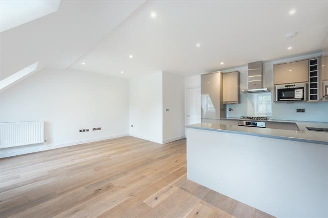 £1,400 per Calendar Month, 2 Bedroom Apartment To Rent in Great Missenden, HP16