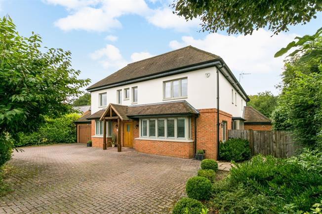 £3,500 per Calendar Month, 7 Bedroom Detached House To Rent in Flackwell Heath, HP10