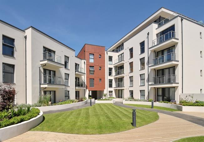 £1,650 per Calendar Month, 2 Bedroom Apartment To Rent in Brighton, BN1