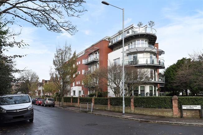 £1,400 per Calendar Month, 2 Bedroom Apartment To Rent in Brighton, BN1