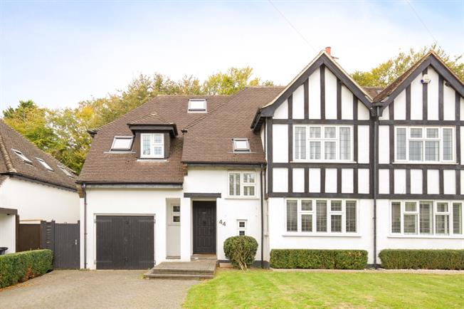 £3,500 per Calendar Month, 5 Bedroom Semi Detached House To Rent in Hove, BN3
