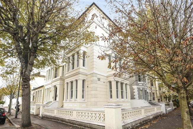 £1,500 per Calendar Month, 2 Bedroom Apartment To Rent in Hove, BN3