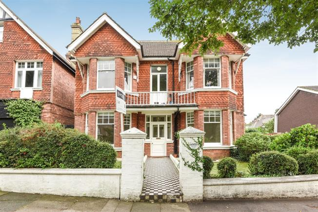 £2,100 per Calendar Month, 3 Bedroom Apartment To Rent in Hove, BN3