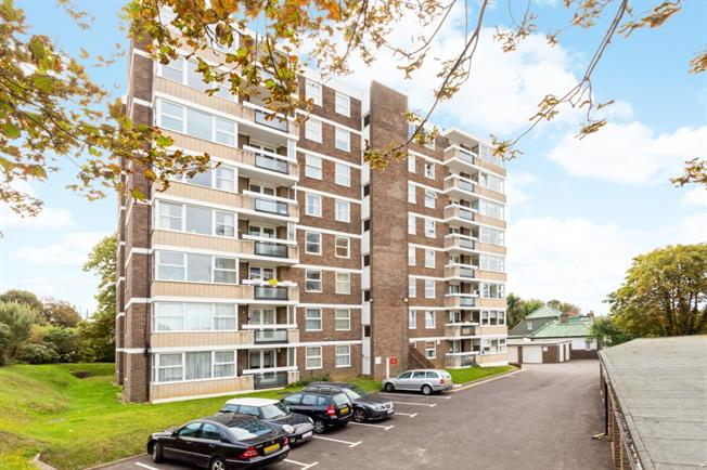 £1,345 per Calendar Month, 3 Bedroom Apartment To Rent in Hove, BN3