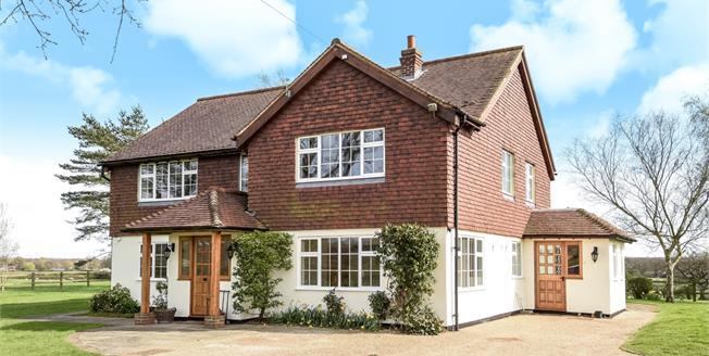 £2,750 per Calendar Month, 6 Bedroom Detached House To Rent in Godstone, RH9