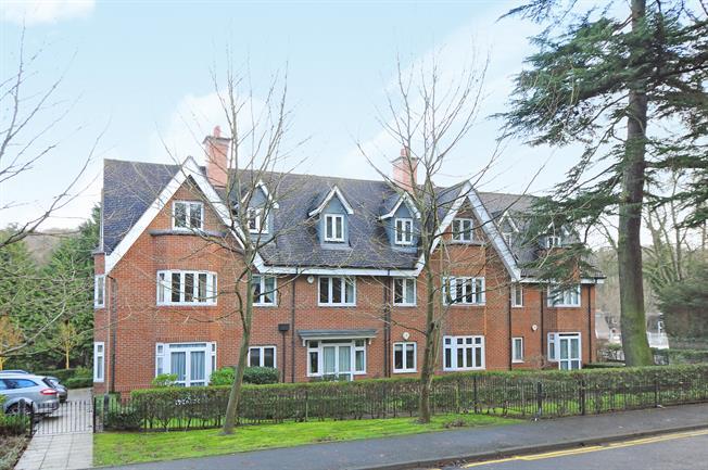 £1,250 per Calendar Month, 2 Bedroom Apartment To Rent in Kenley, CR8