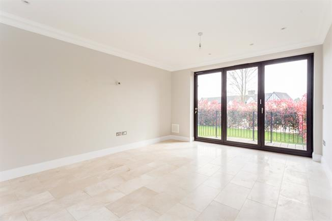 £1,595 per Calendar Month, 2 Bedroom Apartment To Rent in Woldingham, CR3