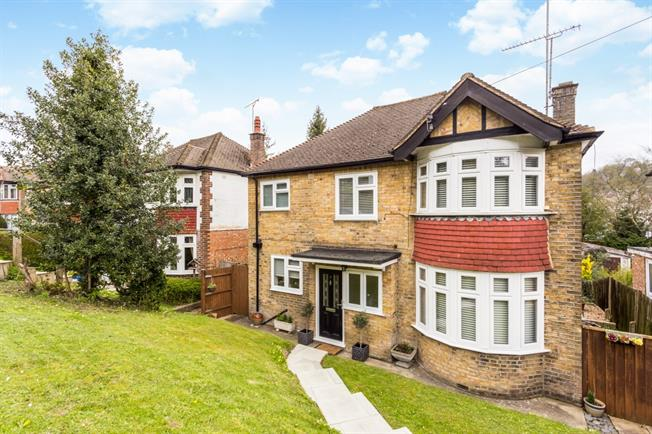 £2,150 per Calendar Month, 4 Bedroom Detached House To Rent in Whyteleafe, CR3