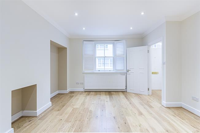 £4,766  per Calendar Month (Calculated), 3 Bedroom Mews House To Rent in London, SW10