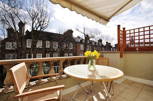 £3,011  per Calendar Month (Calculated), 2 Bedroom Apartment To Rent in London, SW3