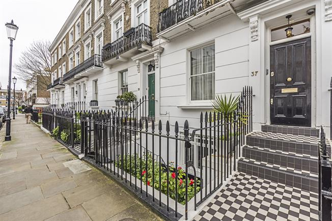 £11,916  per Calendar Month (Calculated), 4 Bedroom Terraced House To Rent in London, SW10
