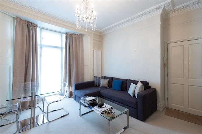 £1,841  per Calendar Month (Calculated), 1 Bedroom Flat To Rent in London, SW10