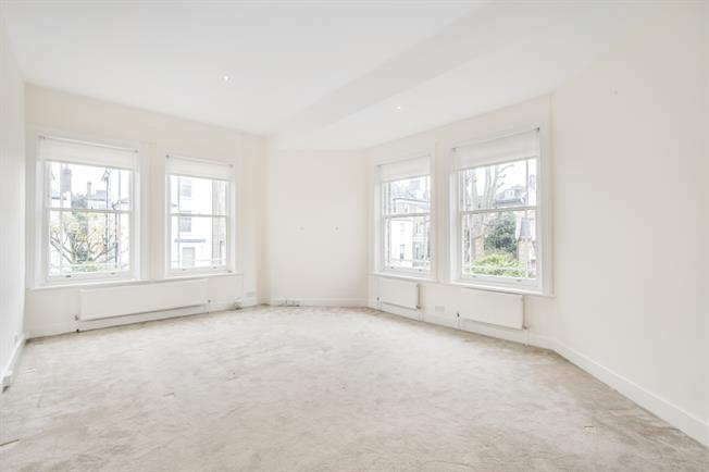 £3,683  per Calendar Month (Calculated), 3 Bedroom Flat To Rent in London, SW10