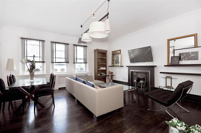 £5,633  per Calendar Month (Calculated), 3 Bedroom Flat To Rent in London, SW7