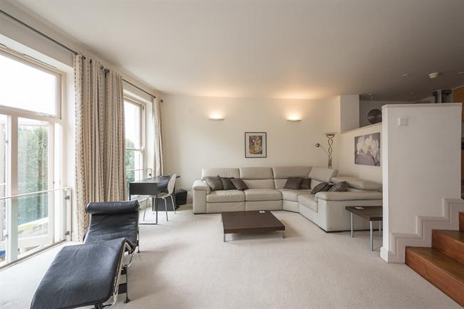 £3,575  per Calendar Month (Calculated), 2 Bedroom Flat To Rent in London, SW5