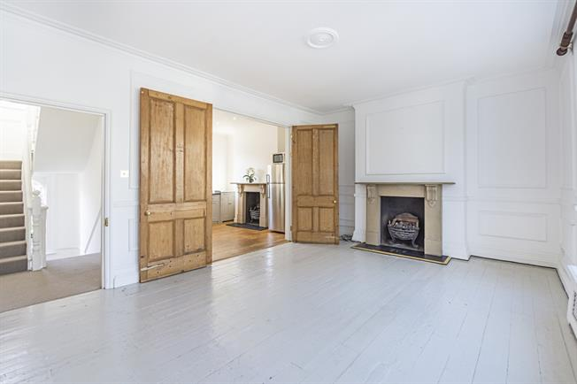 £3,466  per Calendar Month (Calculated), 2 Bedroom Maisonette To Rent in London, SW10