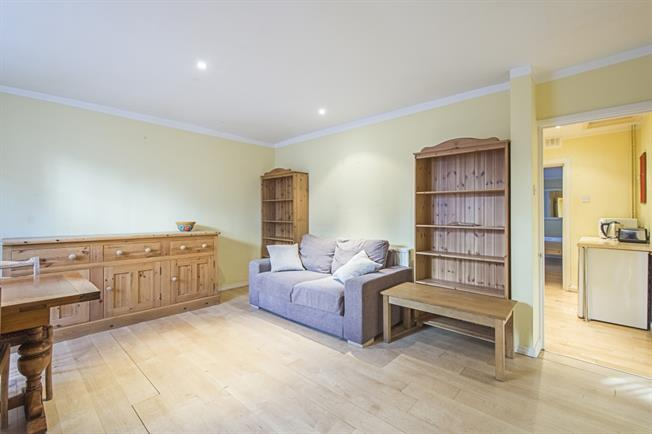 £1,560  per Calendar Month (Calculated), 1 Bedroom Apartment To Rent in London, SW10
