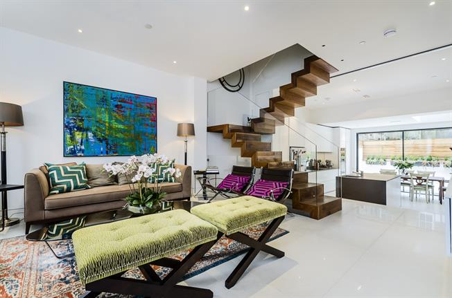 £8,016  per Calendar Month (Calculated), 5 Bedroom Terraced House To Rent in London, SW10