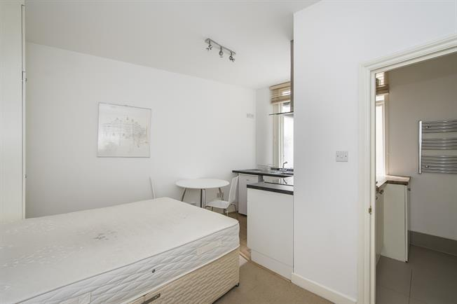 £1,408  per Calendar Month (Calculated), Flat To Rent in London, SW7